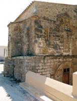 """Τα αρχαιολογικά δεδομένα πιστοποιούν ότι στην περιοχή υπήρχε βυζαντινή παρουσία αρκετά πριν από το πέρασμα του Οσίου Νίκωνος του """"Μετανοείτε"""" (τέλη 10ου αι.). Σε ανάλογα συμπεράσματα οδηγούν το υπόγειο τμήμα του ναού του Αγίου Χαραλάμπους, καθώς και τμήματα του κάστρου"""