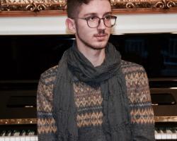 rhgopoulos-givrgos-pianistas.JPG